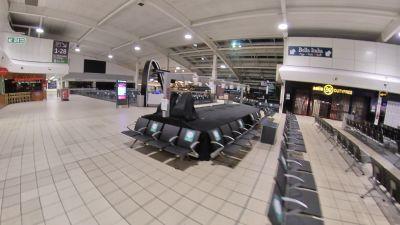 10/11/20 luton airport empty departure lounge