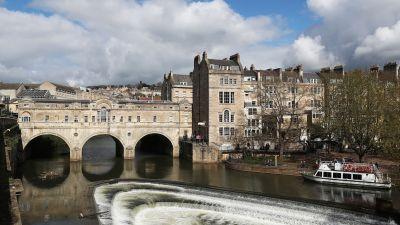 Picture of the Pulteney Bridge over the River Avon, Bath
