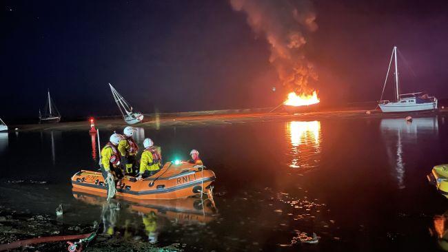 161021 fire in wells harbour