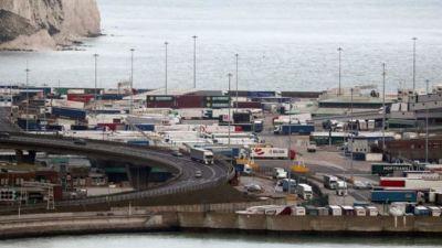 Lorries queue in Dover