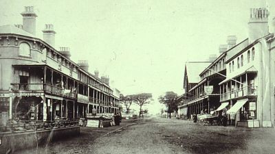 A black and white photo showing clacton's pier avenue in around 1851