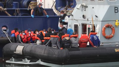 More than 1,000 migrants have crossed the Channel in boats within the space of 10 days.