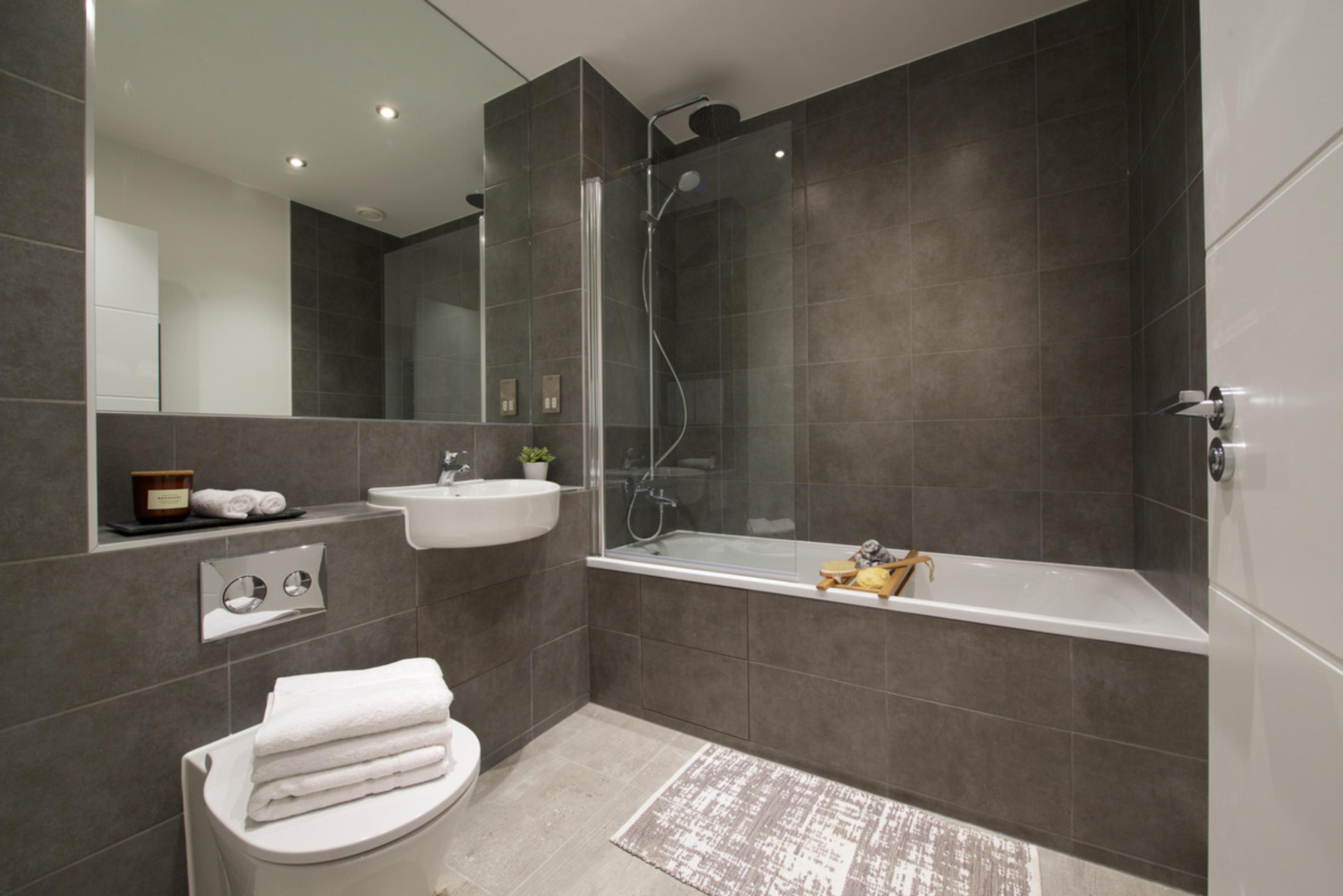 Insignia Place Bathroom