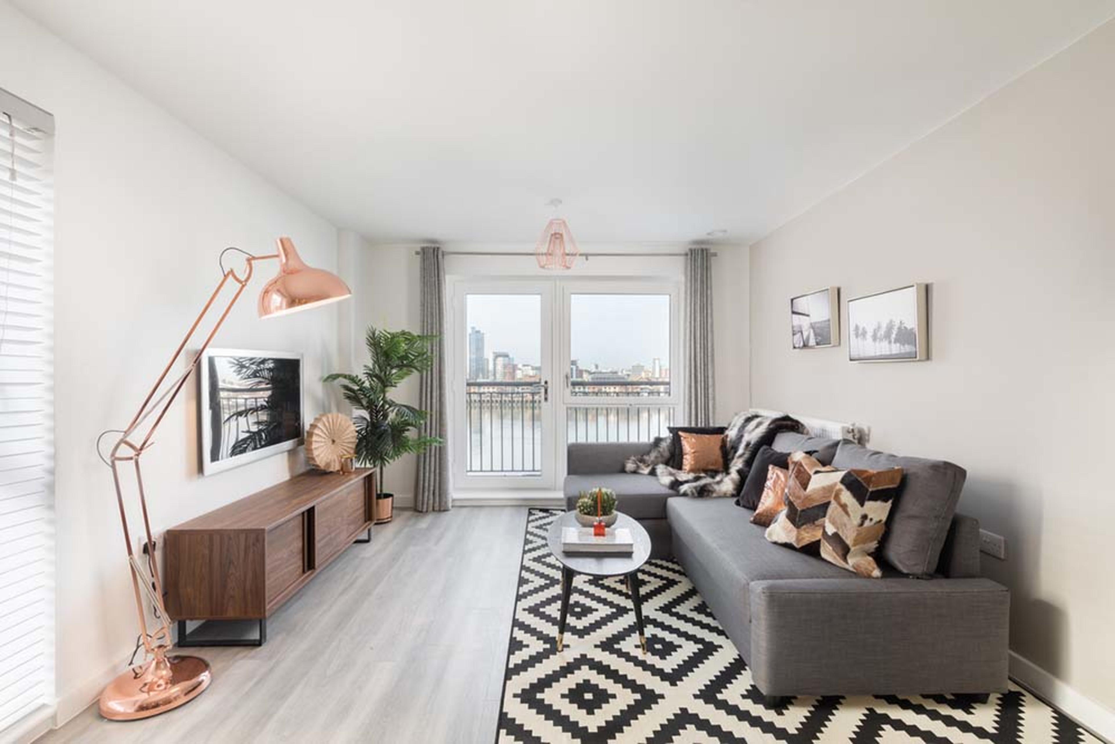 Centenary Quay - Living room