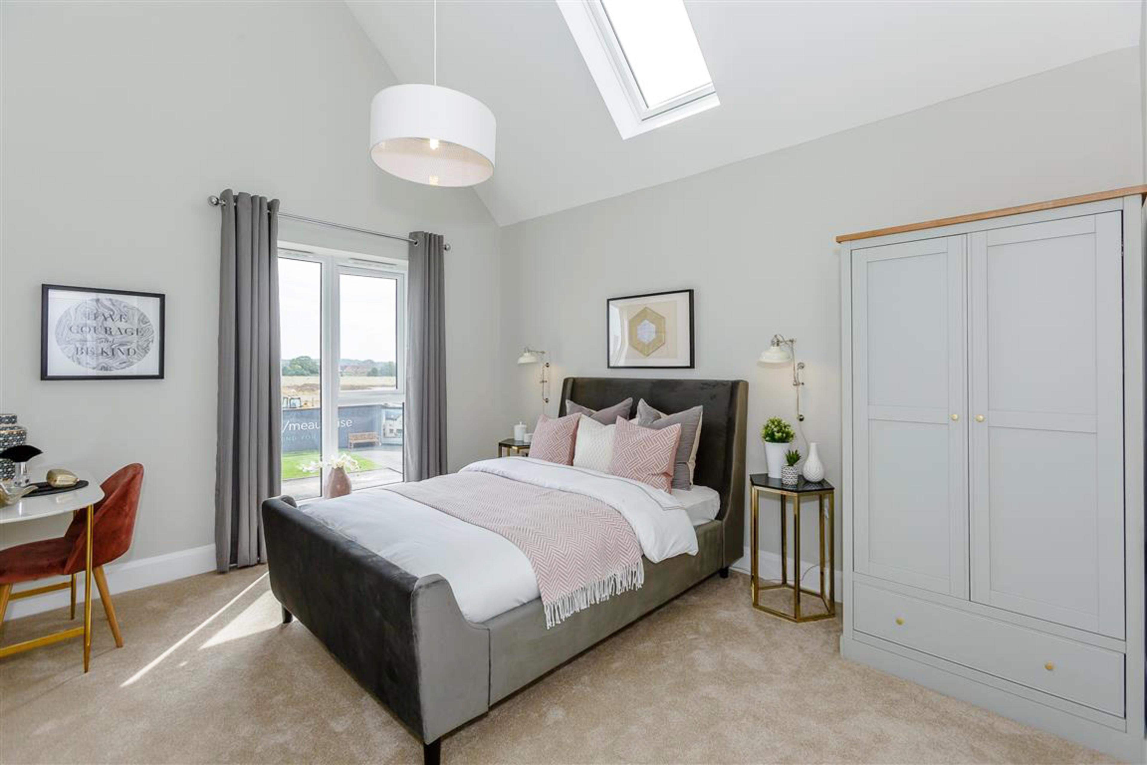 Meaux Rise-Encore-Bedroom