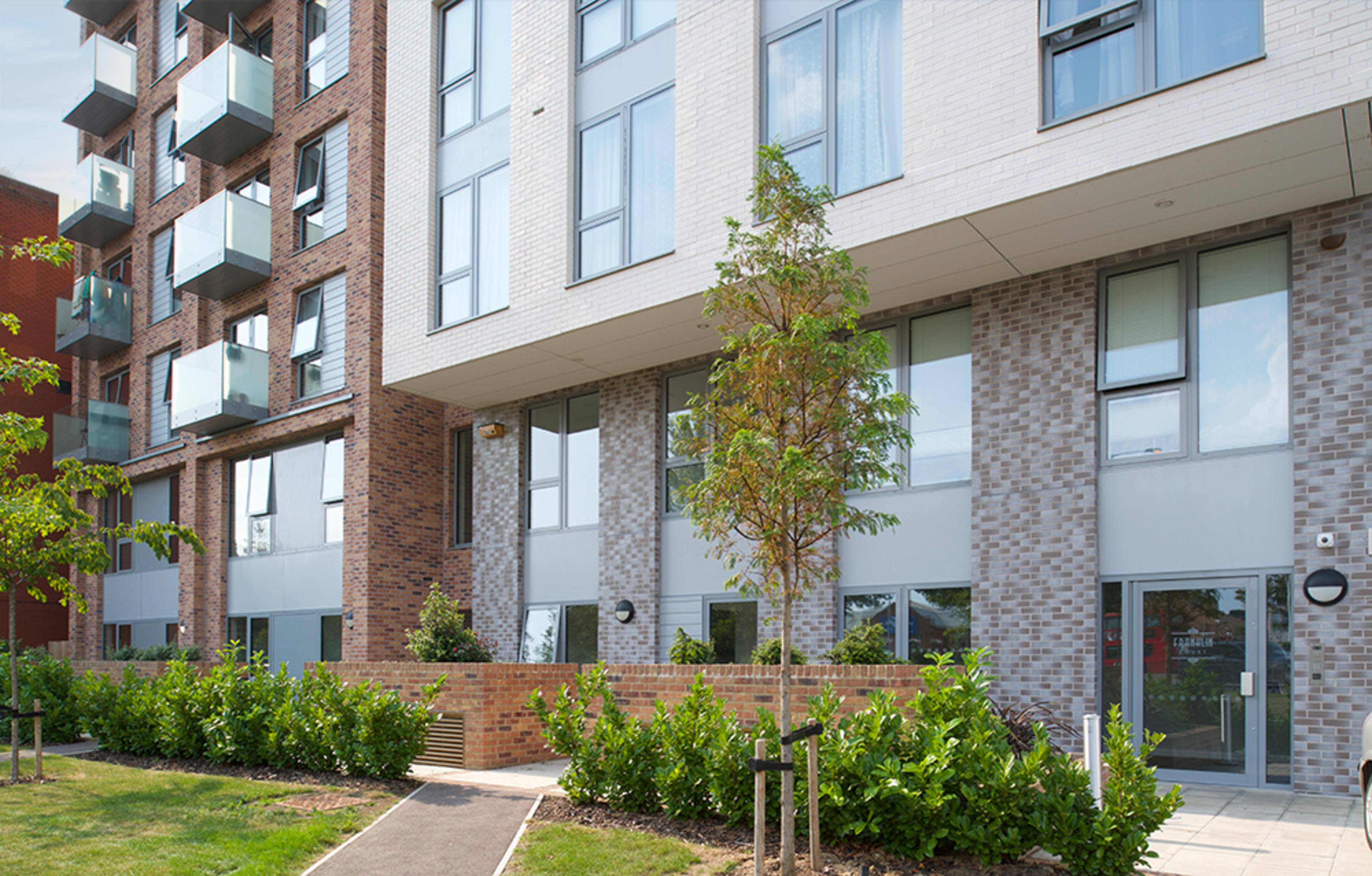 franklin-court-borehamwood-development-external-building-2