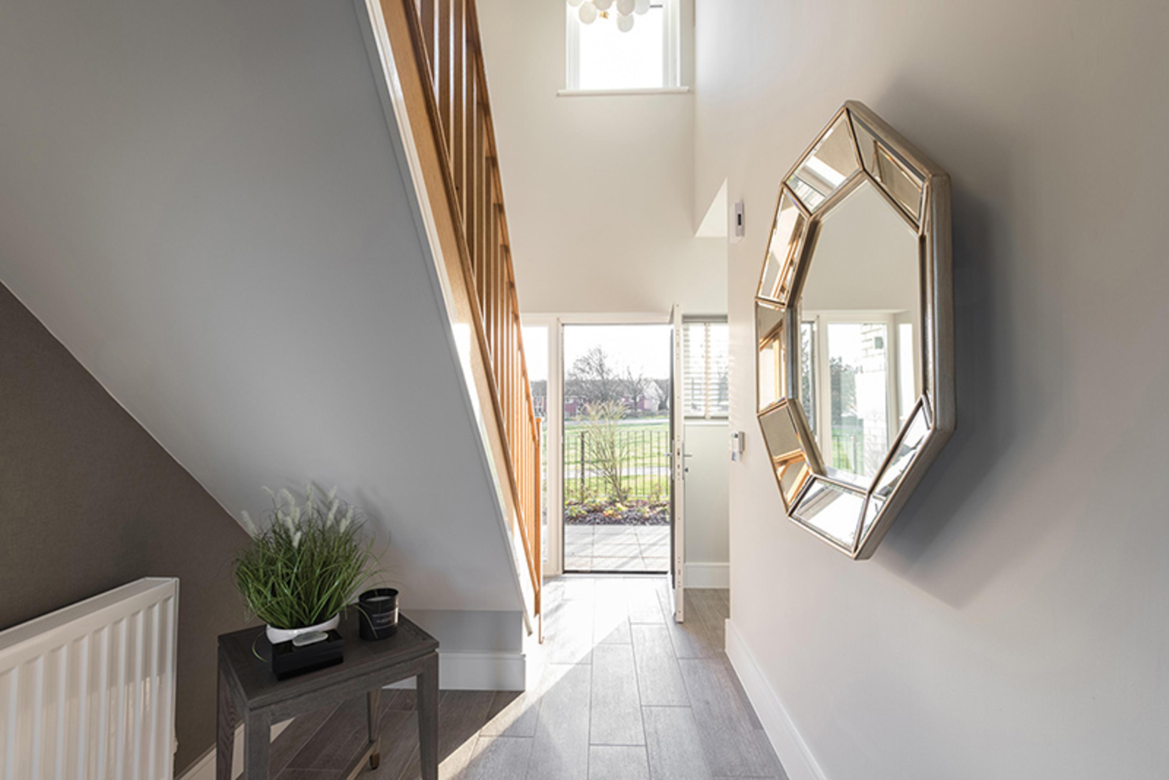 watling-grange-harrogate-merevale-4-bed-home-hallway-1