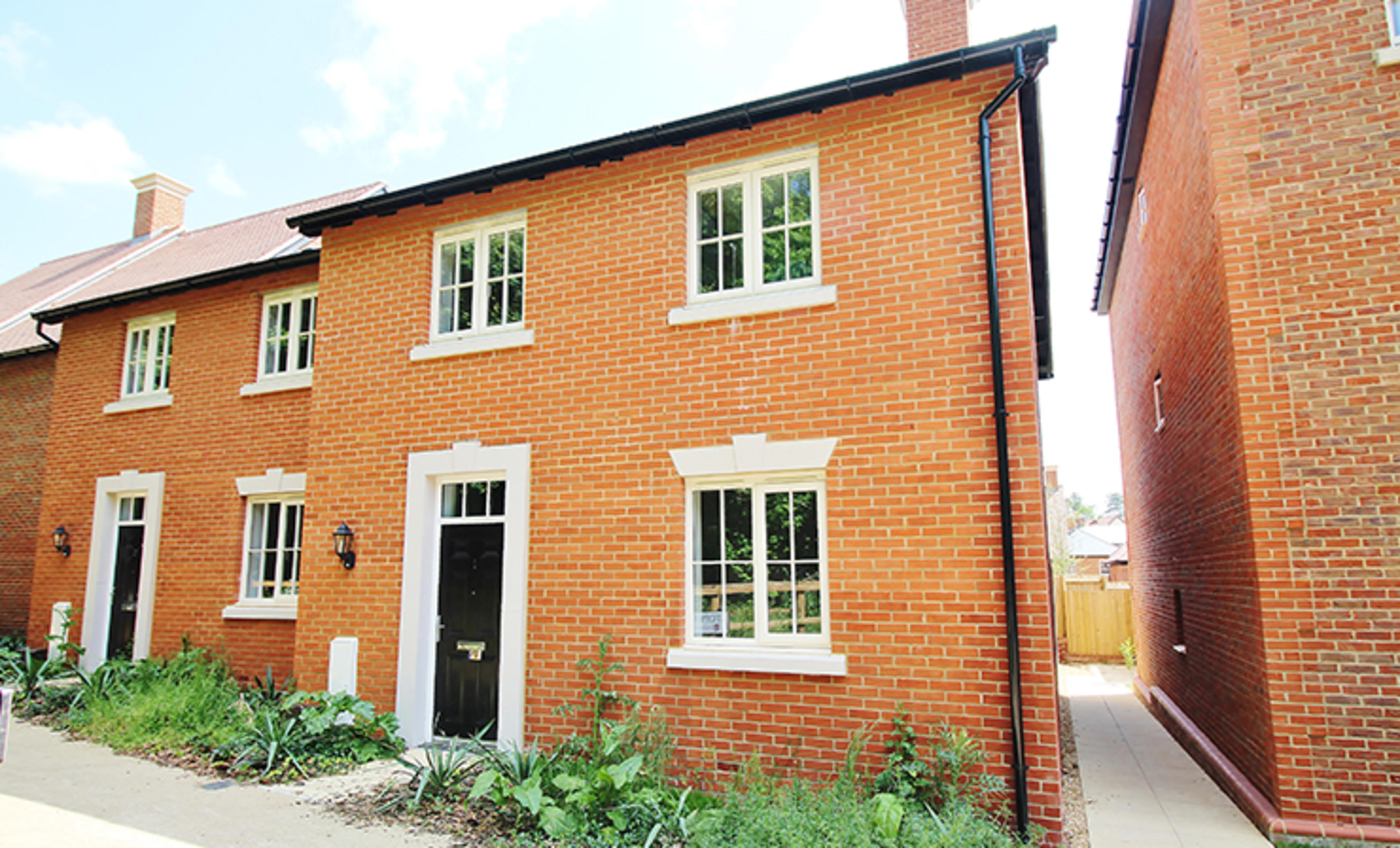 Winchester-village-stopher-walk-shared-ownership-external