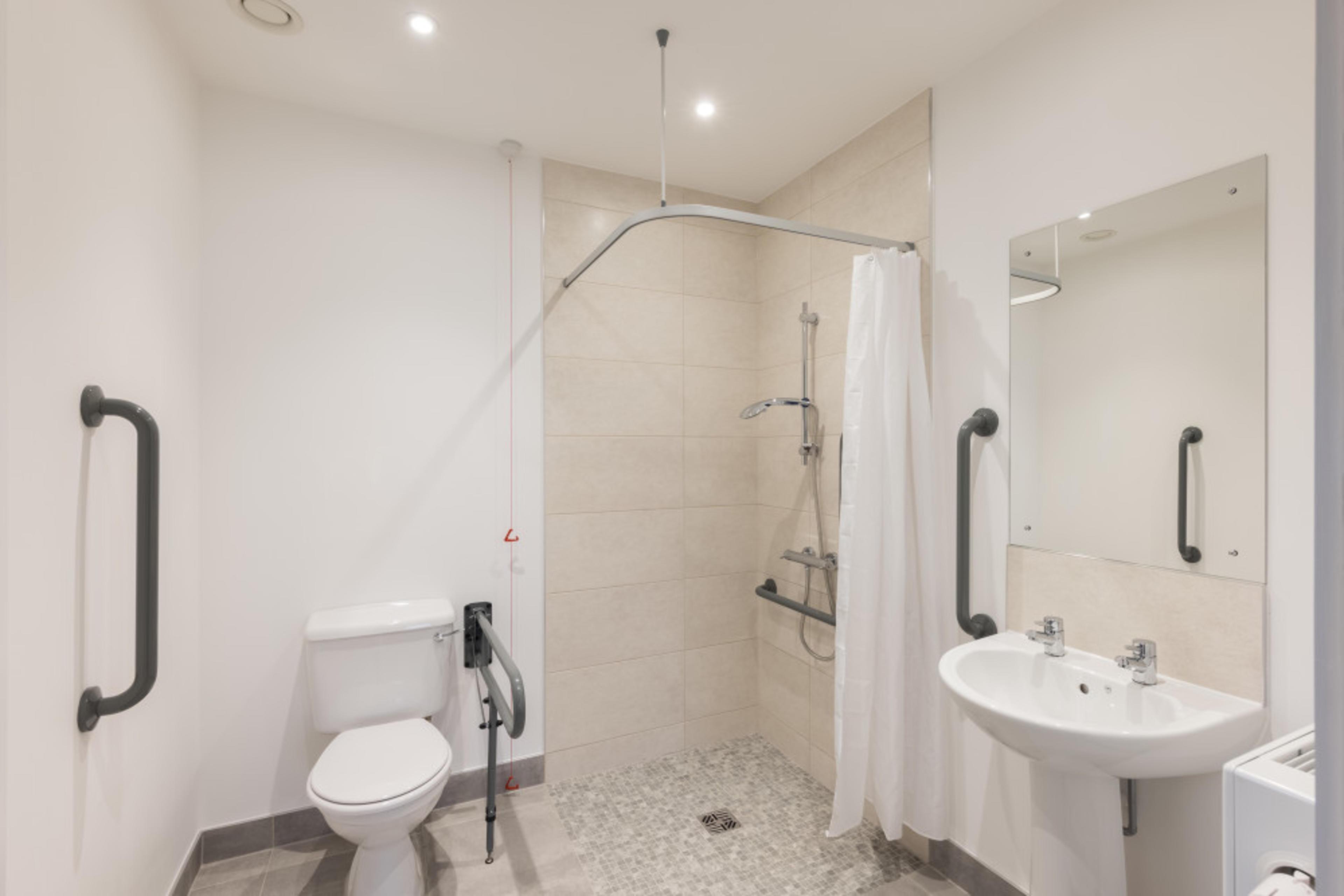 Huntley Place - G07 - Bathroom