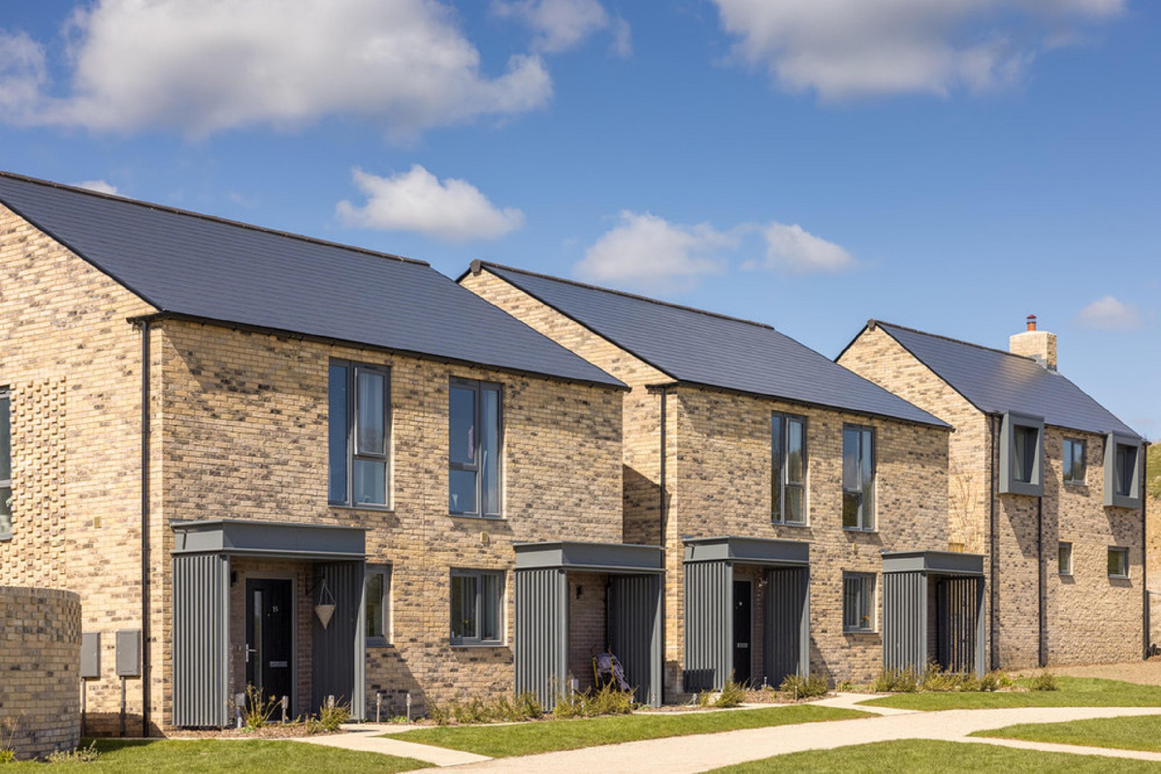 Watling-Grange-Harrogate-new-build-homes-development-street