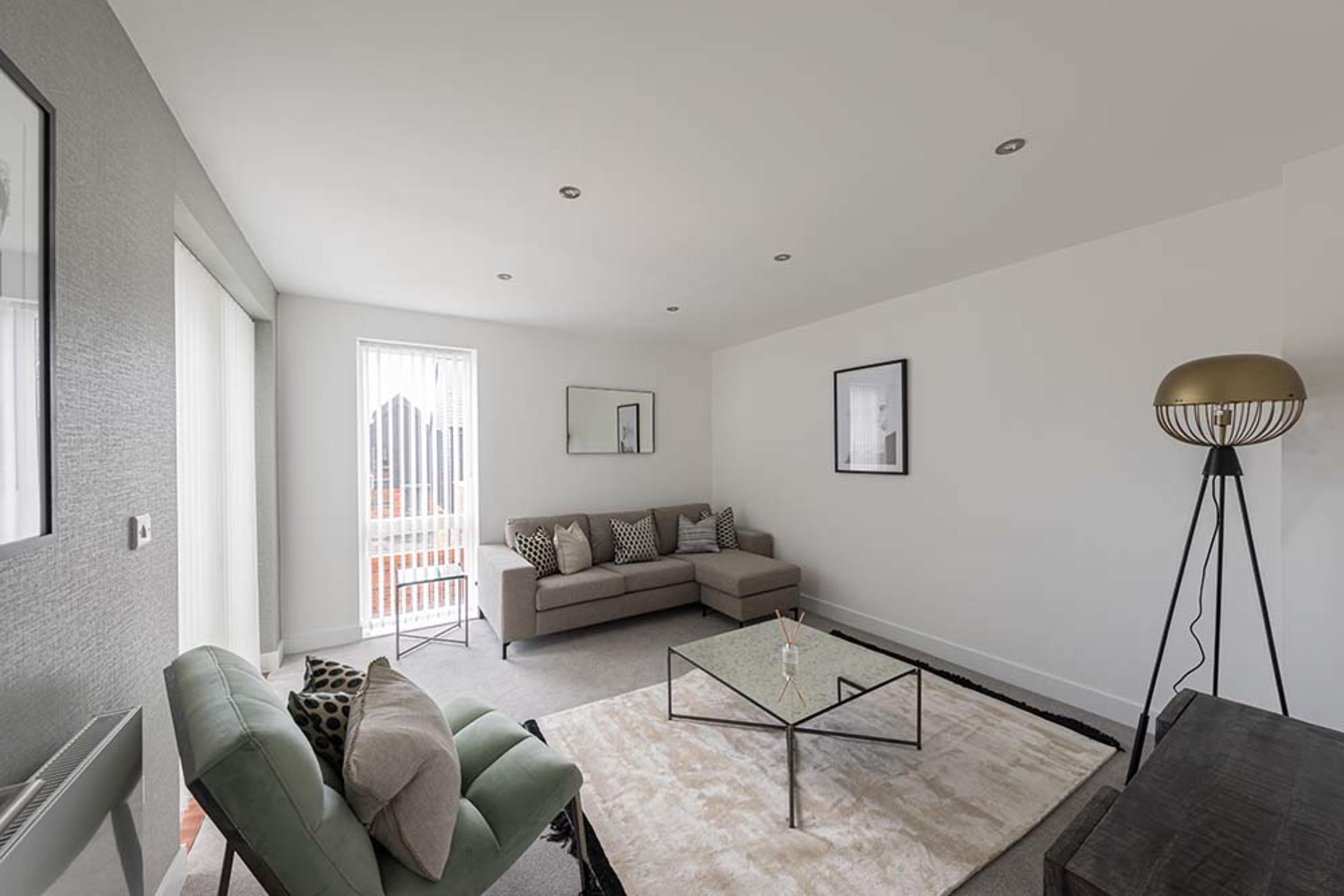 Pompadour - Onyx - Living room