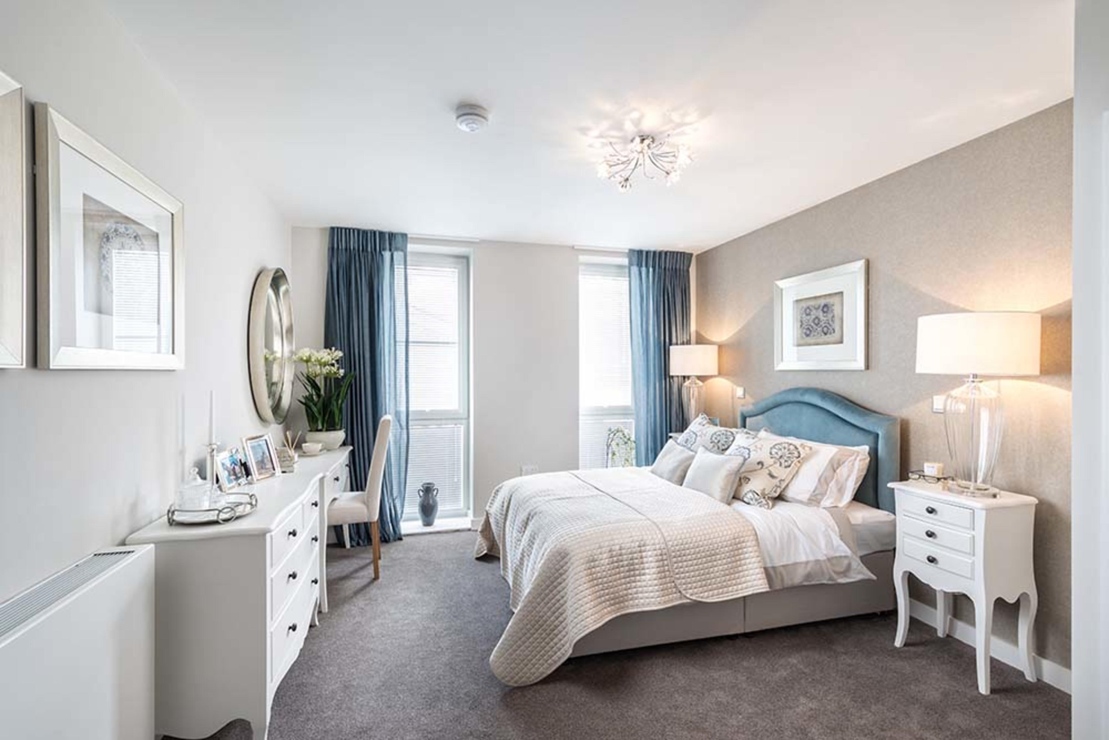 Huntley Place - Master bedroom