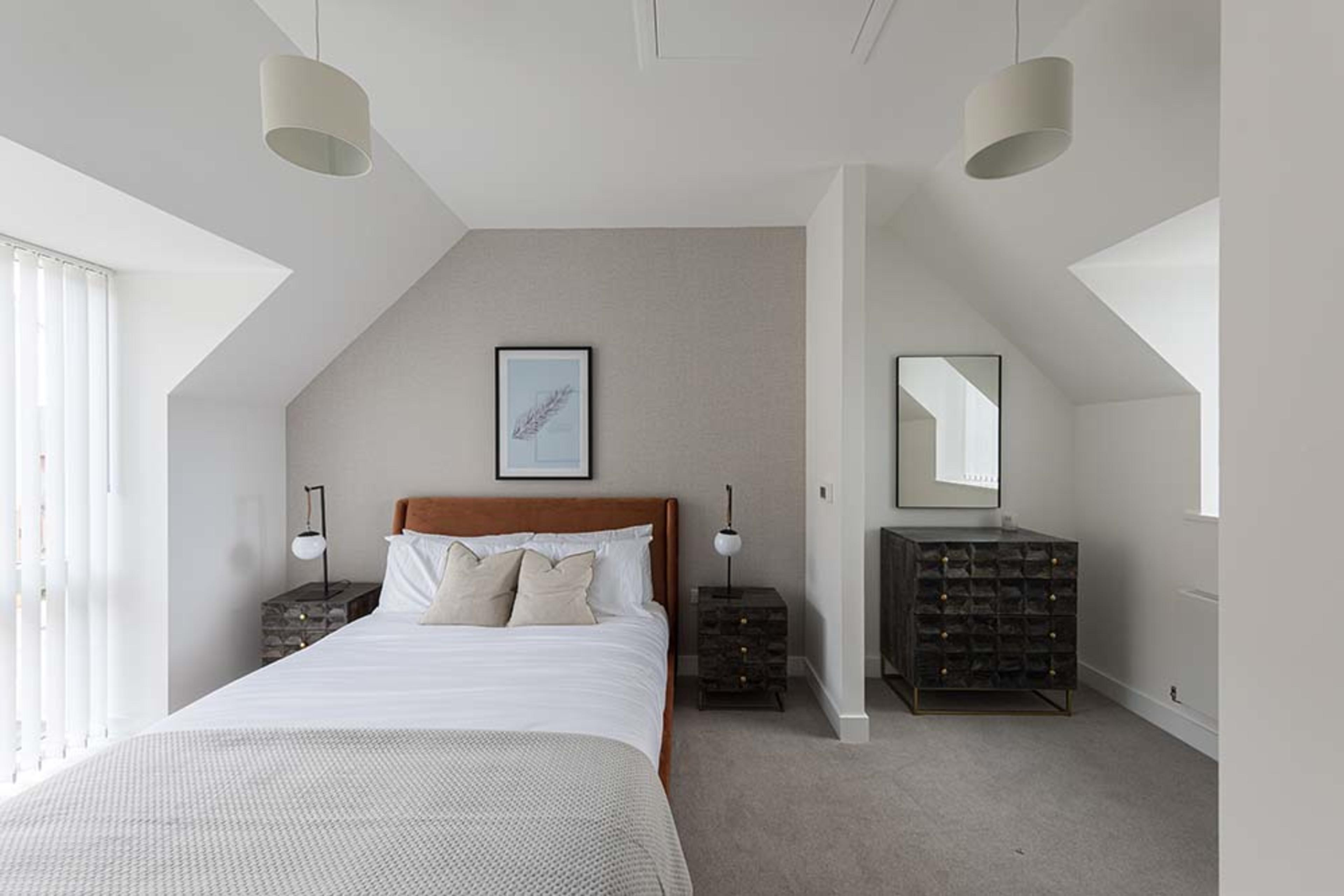 Pompadour - Onyx - Master bedroom