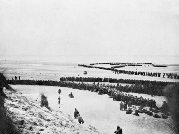 British and other Allied troops waiting to be evacuated from the beach at Dunkirk.