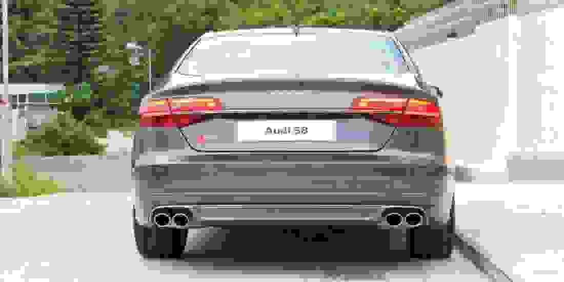 Audi S8 Gebrauchtwagen online kaufen Slider 1