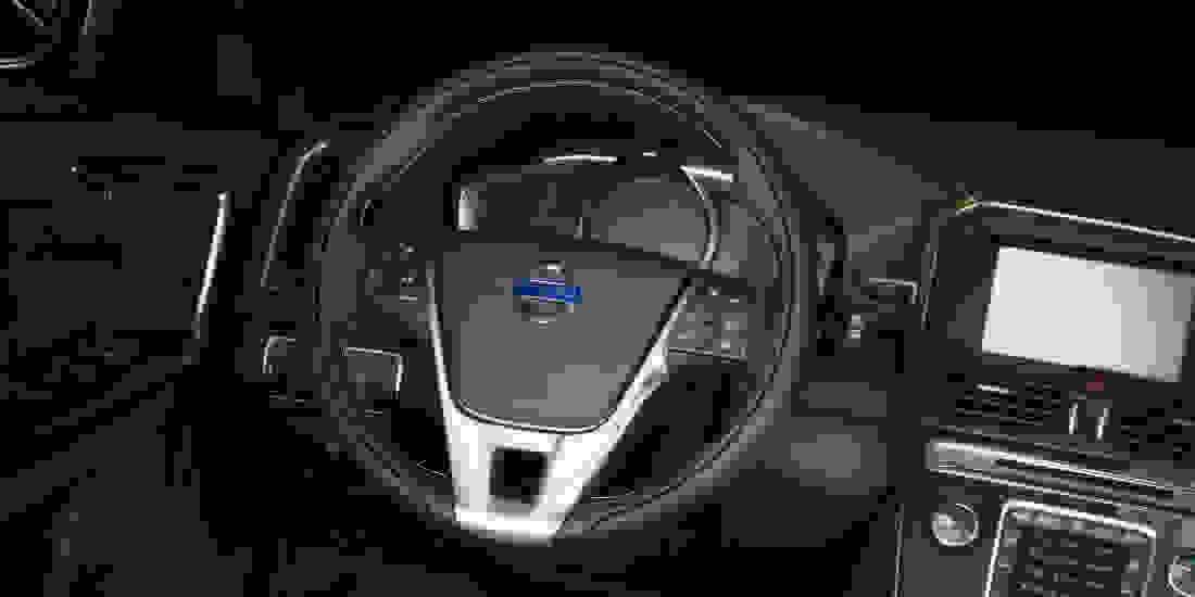 Volvo XC60 Gebrauchtwagen online kaufen Slider 3
