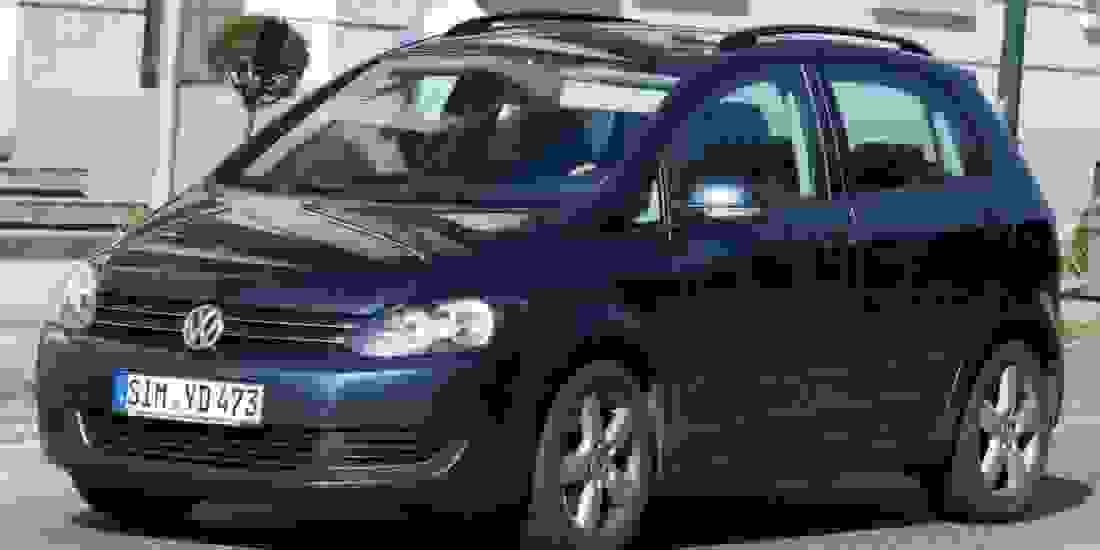 VW Golf Sportsvan Gebrauchtwagen online kaufen Slider 1
