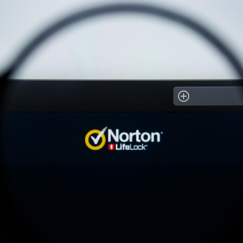 logo nortonlifelock horizontal (1)