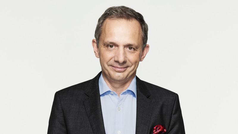 Enrique Lores