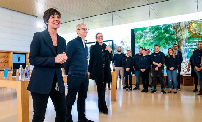 Apple-Deirdre-OBrien-Apple-Park-02052019