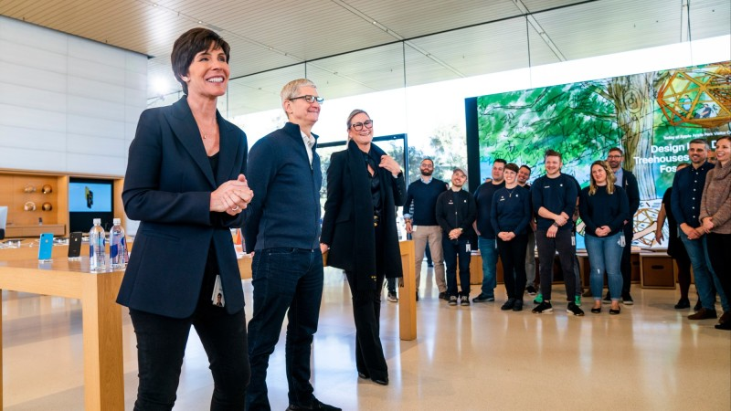 Apple-Deirdre-OBrien-Apple-Park-02052019