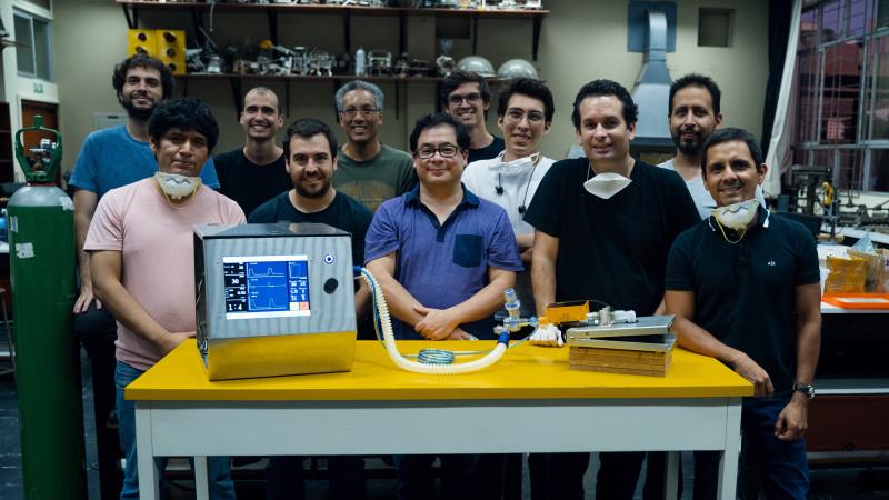 Alvaro with the emergency ventilatior's team