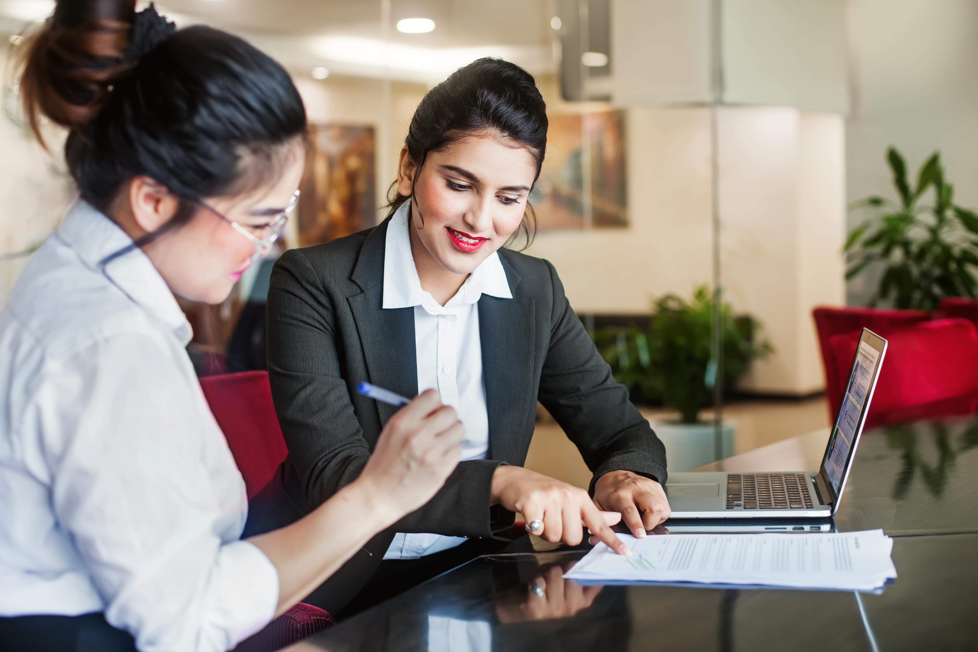 10 Employee Engagement Survey Questions (+ Template)