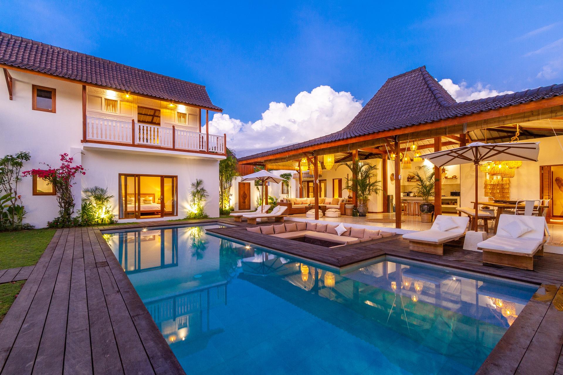 Homes & Villas Luxury Villa