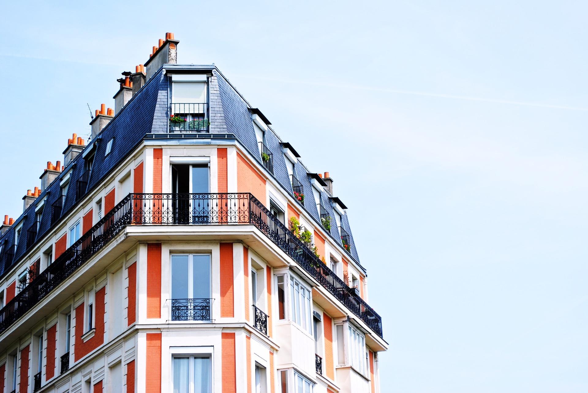 apartment-building-1149751 1920