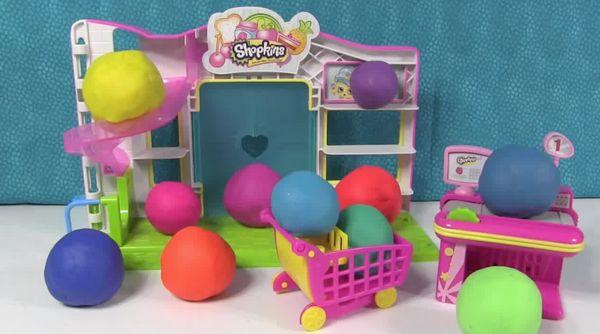 Play-Doh surprise eggs - very weird, very weird indeed!