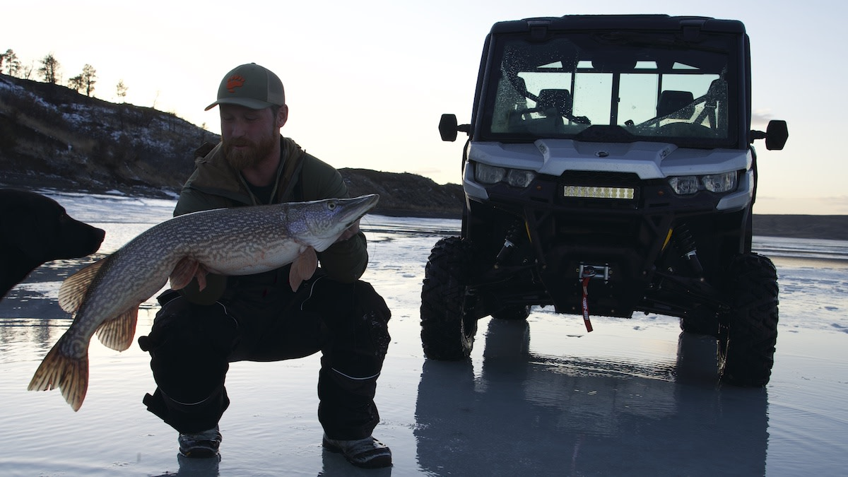 How to Fight and Land Big Fish through the Ice