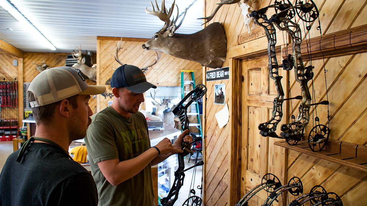 Archery 101: Finding a Pro Shop