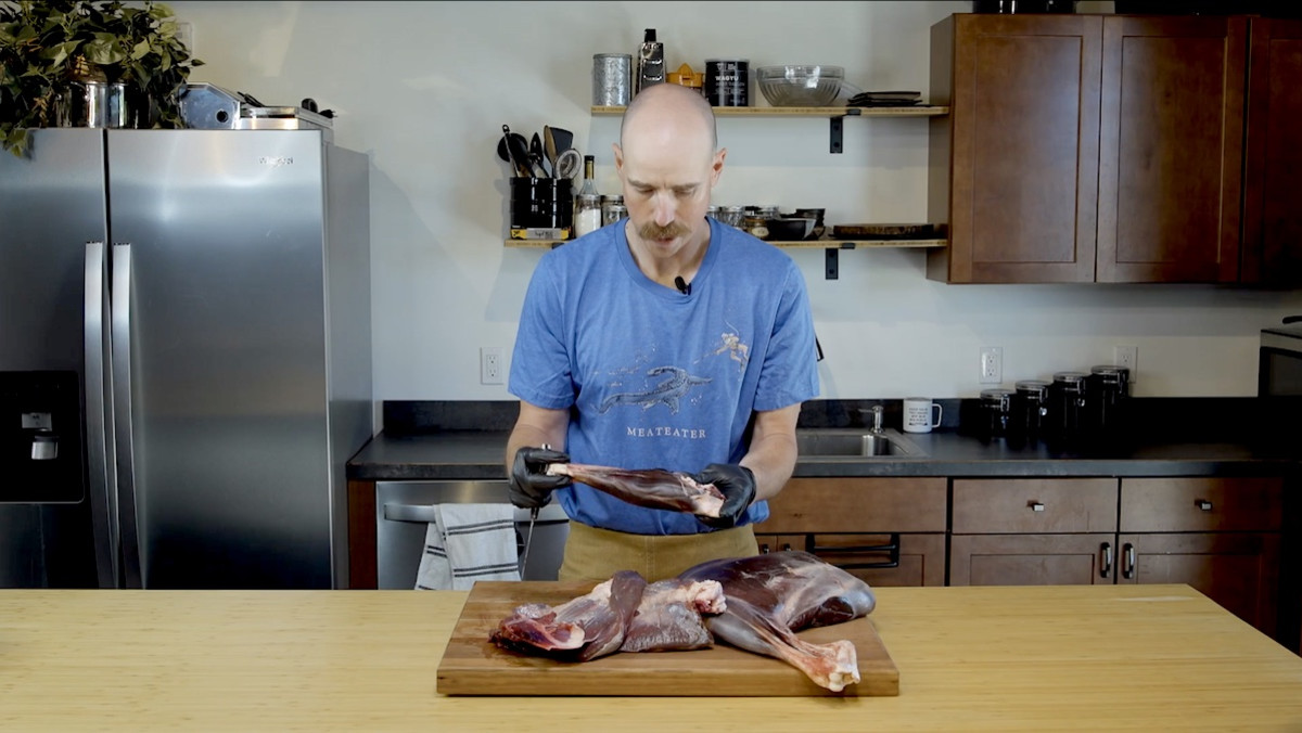 Video: How to Remove Venison Shanks