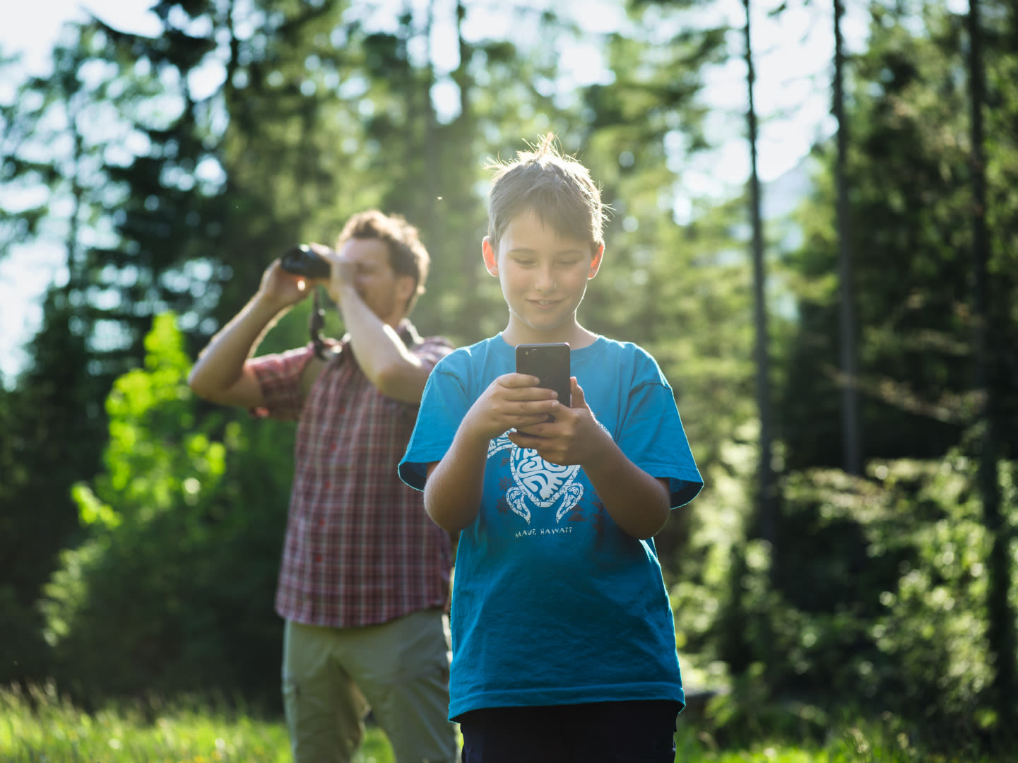 The fun of exploration – how the SWAROVSKI OPTIK dG turns everyone into a wildlife expert - This smart device lets you take photos or videos and helps you to identify the wildlife you spot. A direct learning experience and entertaining treasure hunt.