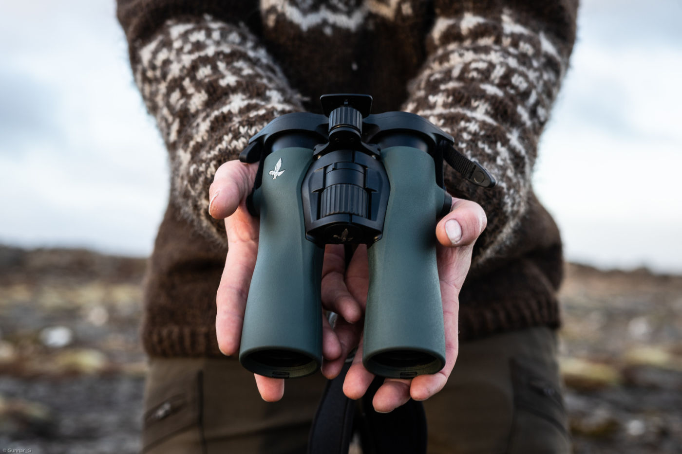 One with nature: Icelandic experiences with the SWAROVSKI OPTIK NL Pure,  NL Pure in the hands of Alma - Photo by gunnar gudmundsson