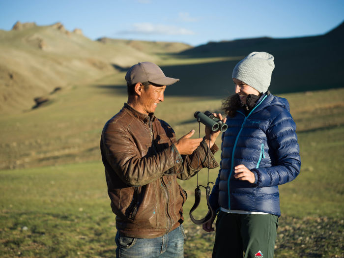 Swarovski Optik Surprises along the Silk Road Nature Outdoor two persons and a binocular