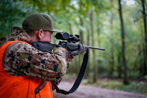 Driven hunting with the Z8i 0.75-6x20 - Stefaan Rotthier on a driven hunt with the SWAROVSKI OPTIK Z8i 0.75.