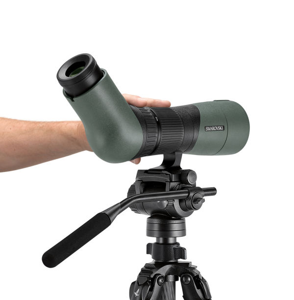With the ATX spotting scope, you can zoom and focus with one hand, while steering the spotting scopes direction with the other.