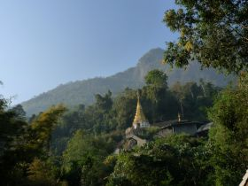 Doi Chiang Dao - The temple at Doi Chiang Dao has a wondefully peaceful atmosphere