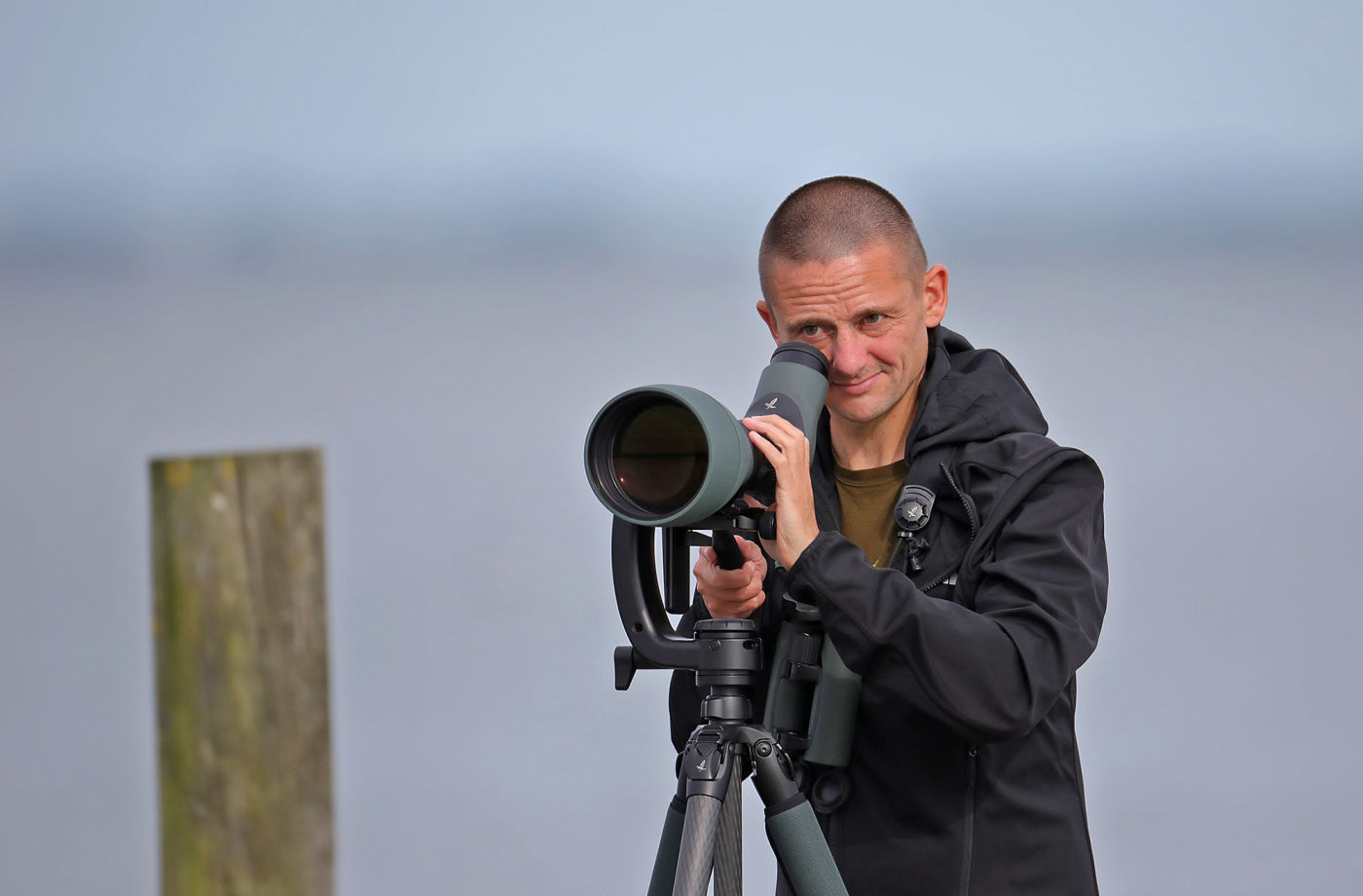 A joint adventure: Mark and Nils seawatching with the SWAROVSKI OPTIK 115-mm objective module - Mark Collier went birding on the Dutch coastline with the ATX 115-mm objective module