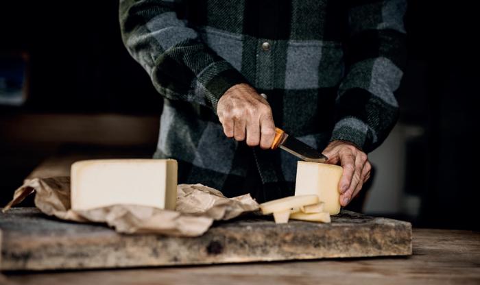 !!! Markus Sämmer - cutting cheese Photography: © www.studio-steve.de