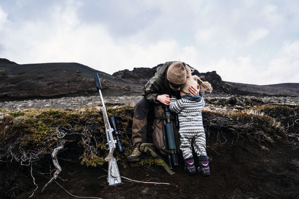 Iceland Hunters Alma and daughter Kria