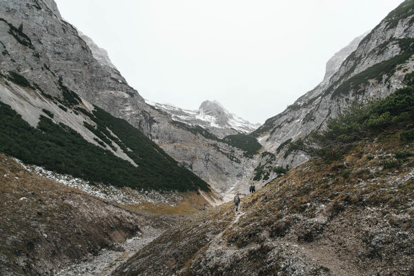 On the hunt for chamois with Nikolaj Juel - landscape intro
