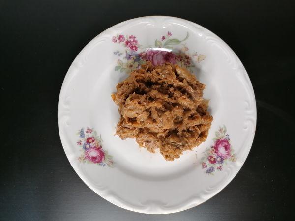 2.Adam Depka Prądzinski – Rezept – Bigos with sauerkraut - Sauerkraut above