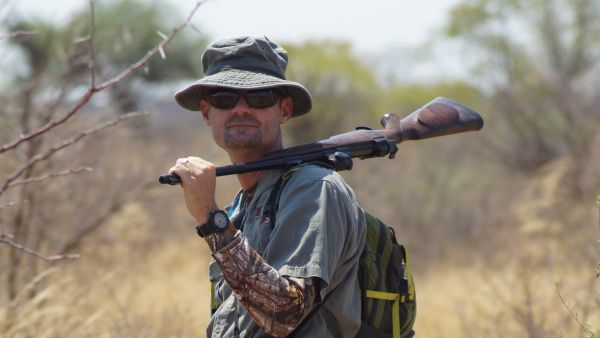 Namibia - Sustainable hunting in the Nyae Nyae Conservancy H/ - Stephan Jacobs