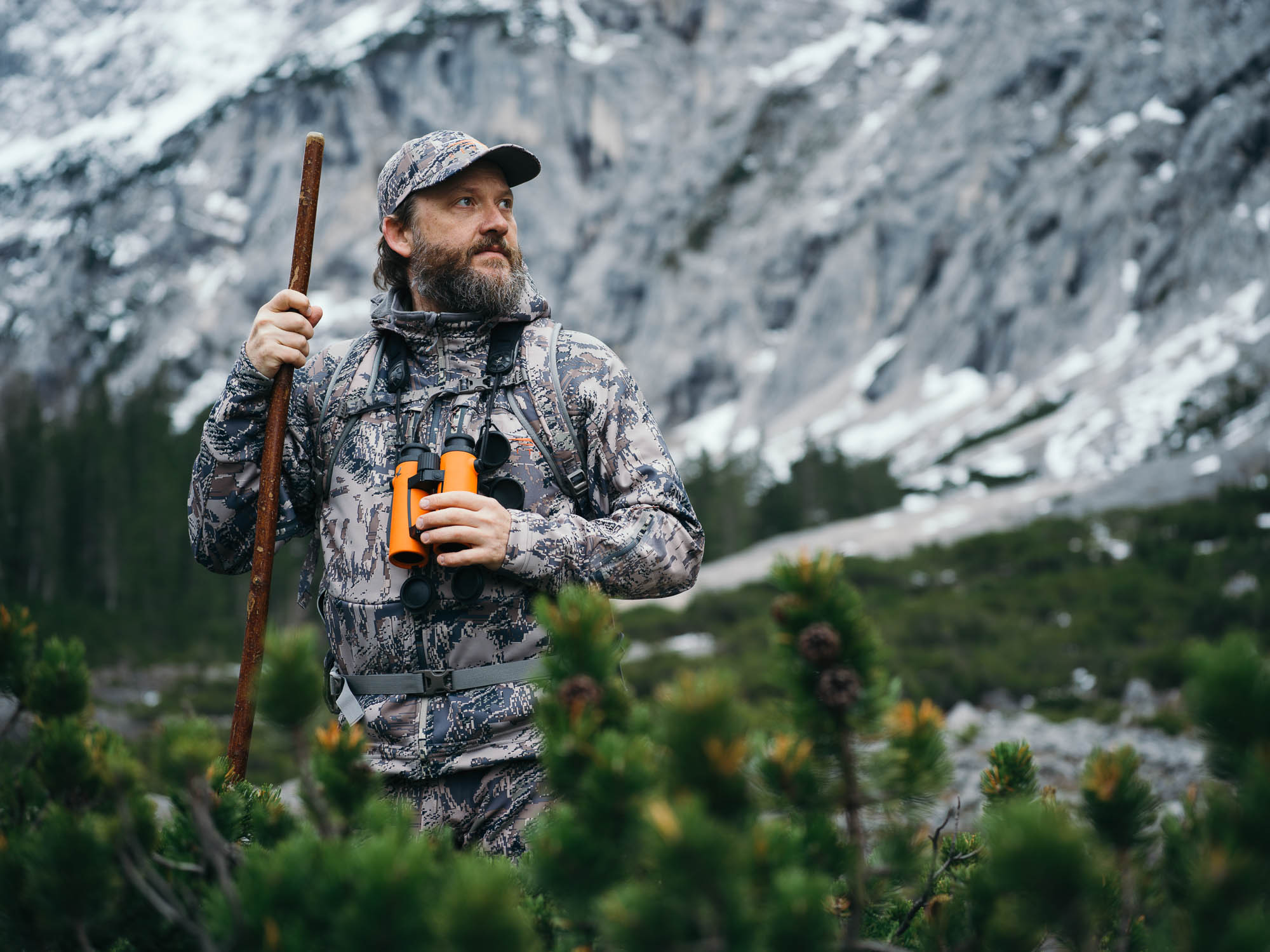Nikolaj Juel rocks cooking, music, and hunting - out hunting in the mountains with the EL O-Range