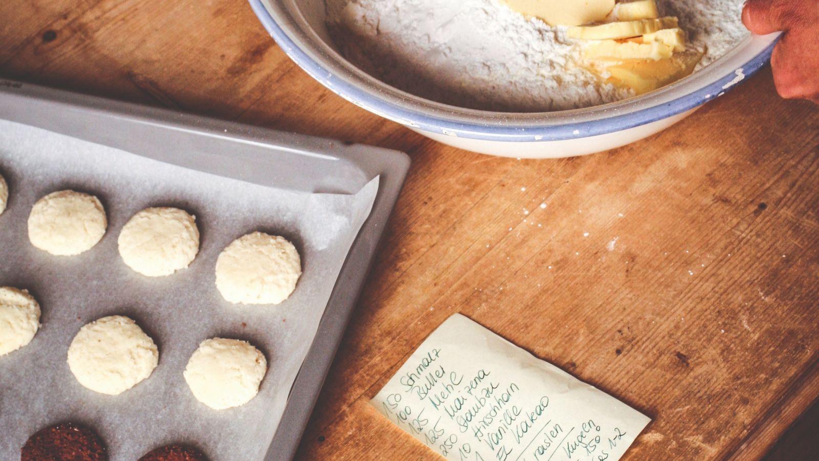Wild boar lard nuts for Christmas baking tray, recipe