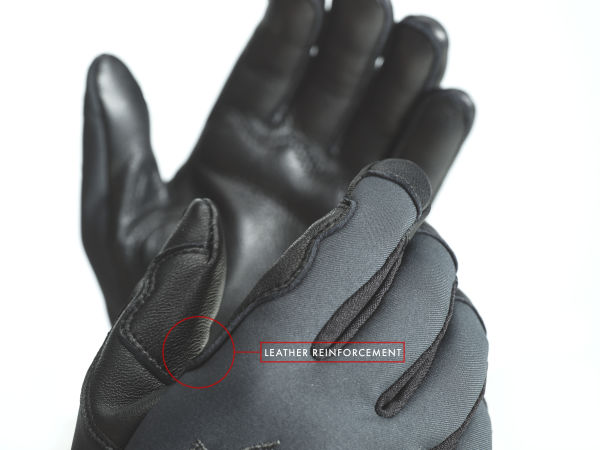 SWAROVSKI OPTIK gear collection GP gloves pro: The leather reinforcements make them extremely rugged and even touchscreen-compatible.