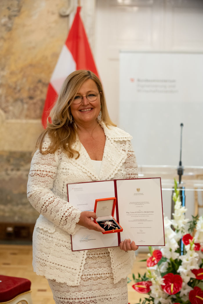 Carina Schiestl-Swarovski on being awarded the Grand Decoration of Honor for Services to the Republic of Austria. Copyright BMDWHartberger
