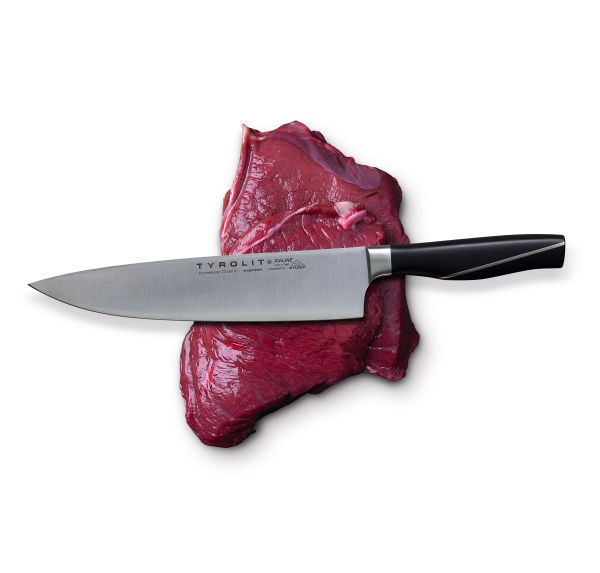 Swarovski Optik NORBERT NIEDERKOFLER AP­PRE­CIA­TING THE GIFTS OF NA­TU­RE Meat and knife. From the wild to the table